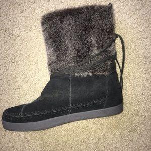 Toms Faux Fur boots